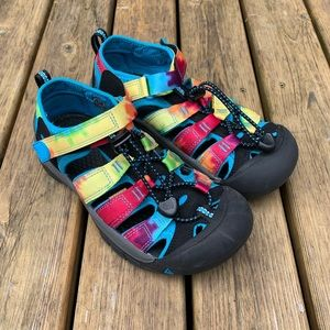 Rainbow Washable Keen Sandals, Youth Size 3